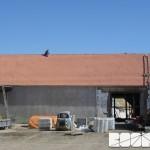 ZOO Park Vyškov - dokončení pokládky krytiny a hřebene